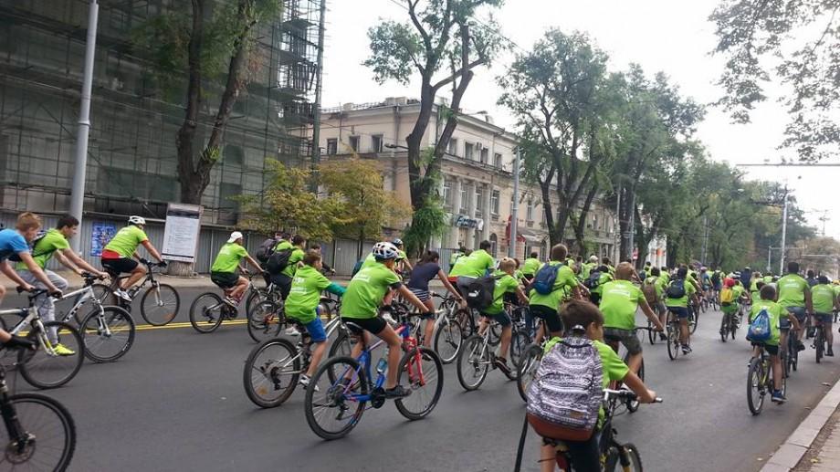 (foto) Cum se vede pe rețelele de socializare cursa de ciclism Chișinău Criterium