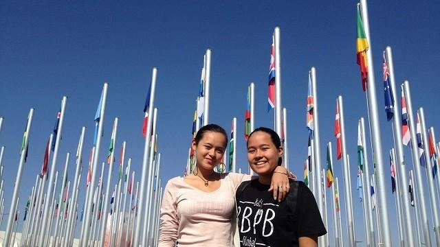 (video) Două adolescente au convins oficialii din Bali să interzică pungile de plastic
