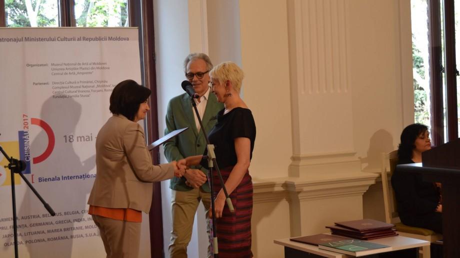 Bienala Internaţională de Pictură la Chișinău: Ce lucrări au fost desemnate câștigătoare