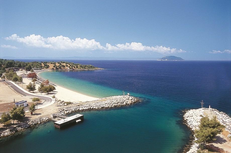 Nu ai bani de vacanțe exotice? Șapte destinații de plajă în Europa în care descoperi paradisul