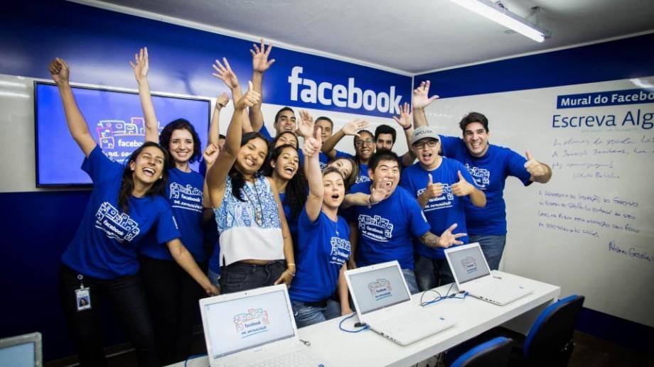 (grafic) Cei mai bine plătiți stagiari lucrează la Facebook şi Microsoft. Lunar aceștia pot primi 8000 de dolari