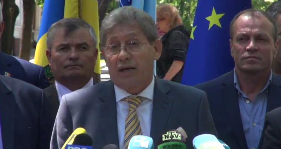 (video) Partidul Liberal a lansat campania de colectare a semnăturilor pentru demiterea lui Igor Dodon