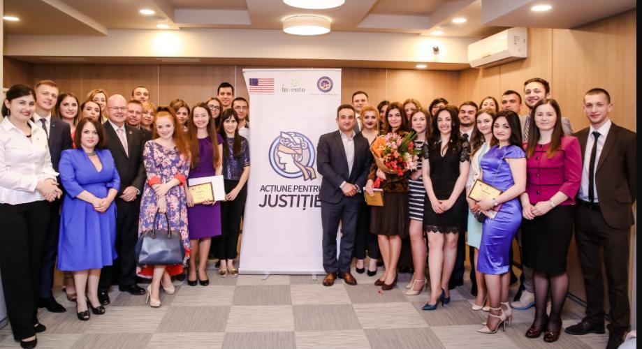 """Cunoaște-i pe cei 23 de tineri juriști, absolvenții celei de-a doua ediție """"Acțiune pentru Justiție"""""""