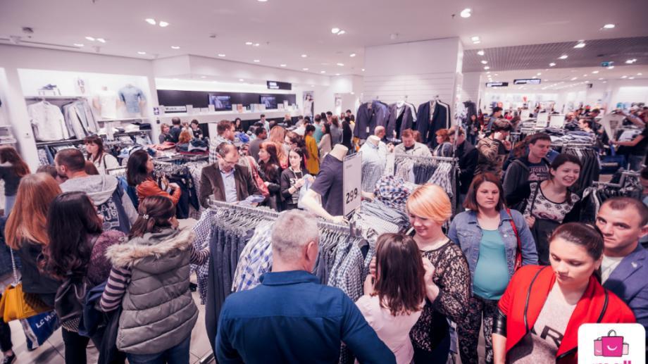 Prețuri mici și premii mari la cea mai tare petrecere a primăverii la Shopping MallDova – Night Shopping Party