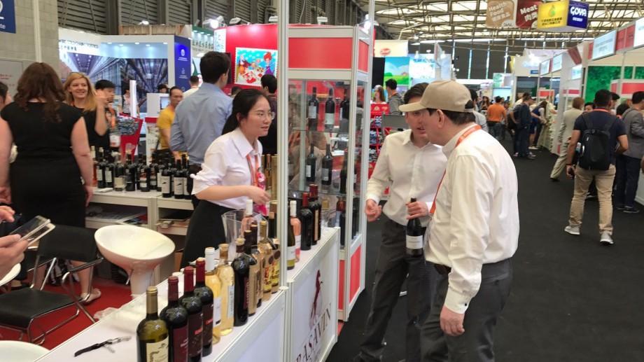 Sucuri, dulcețuri și vinuri: Companiile moldovenești, la cea mai mare expoziție de inovație alimentară din Asia