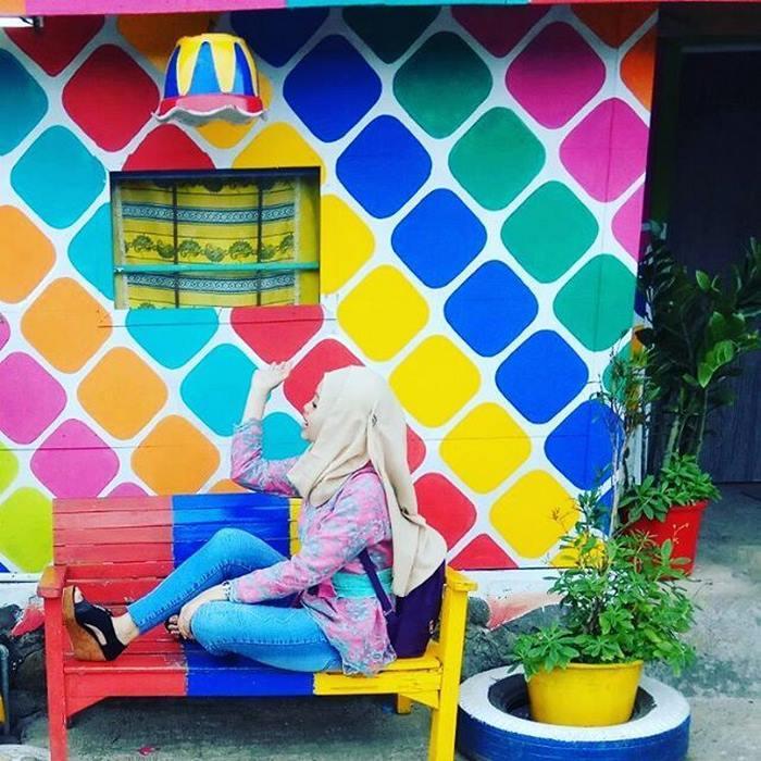 rainbow-village-kampung-pelangi-indonesia-2 (1)