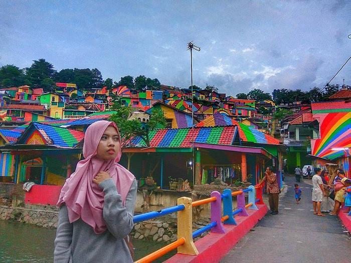 rainbow-village-kampung-pelangi-indonesia-8