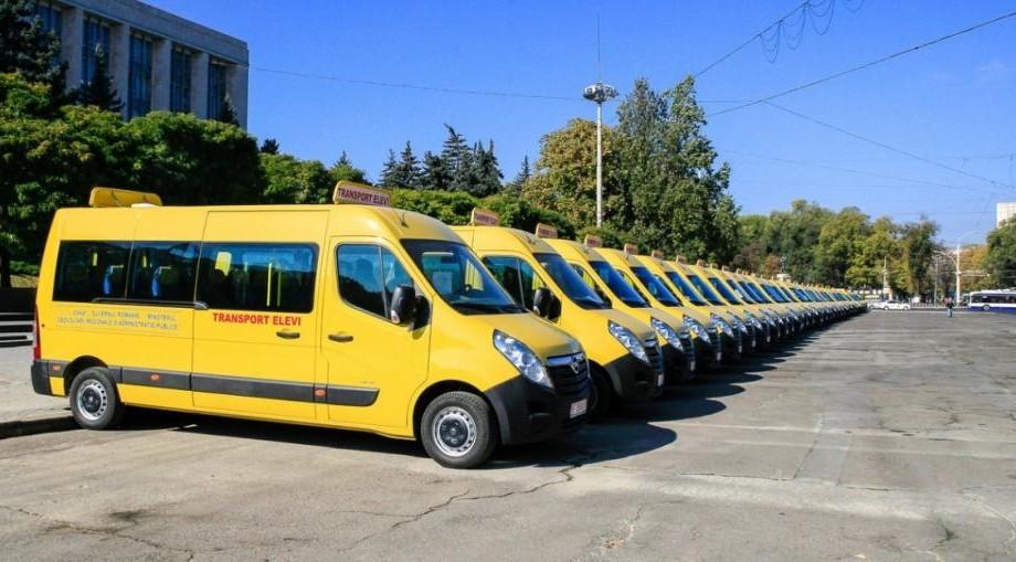 96 de microbuze destinate transportului pentru elevi au ajuns în Republica Moldova