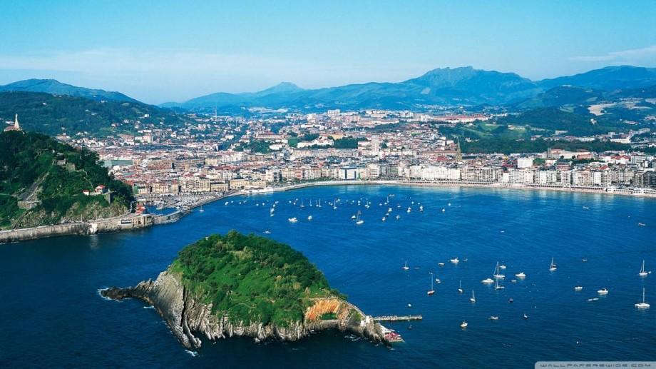 (foto) Locuri de vizitat în această vară: 7 orașe cu farmec pe care să le descoperi