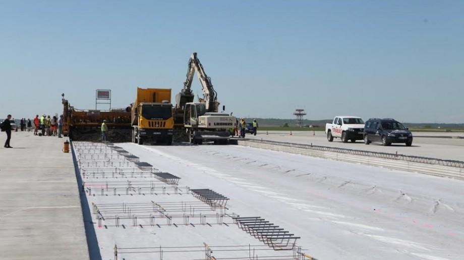 (foto) Peronul Aeroportului Chișinău a fost extins. Va permite staționarea aeronavelor de capacități mari