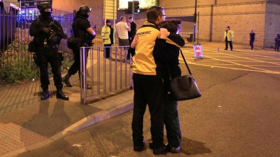 (foto, video) Explozie la Manchester Arena soldată cu zeci de victime