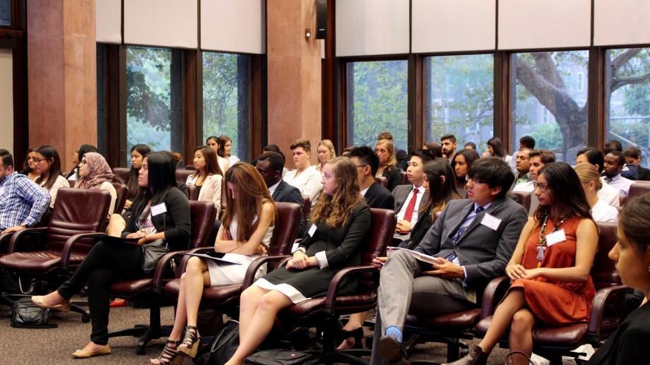 Ești un tânăr lider și îți dorești o carieră de succes? Participă la Forumul Tinerilor Diplomați (YDF)