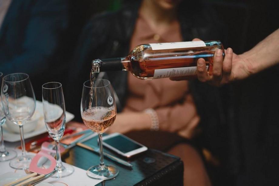 (video) Ce cred experții români și francezi despre vinurile rose din Moldova