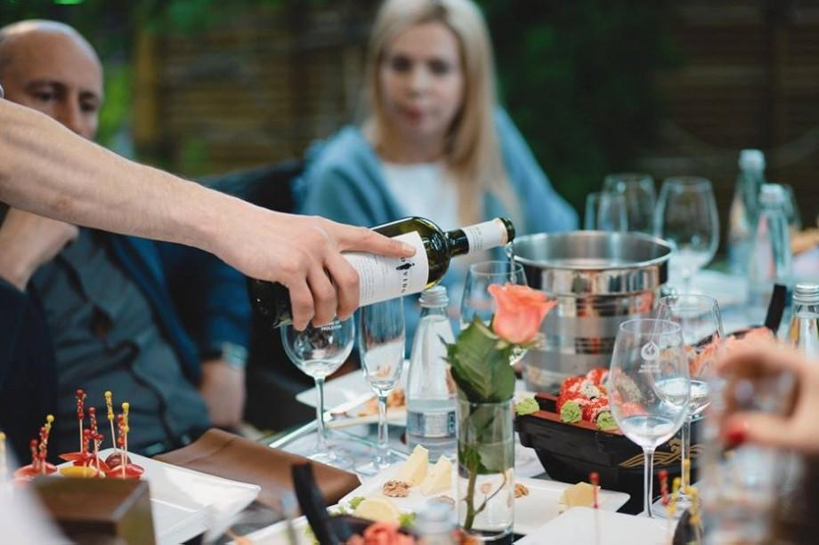 (video) Expertul britanic Robert Joseph, despre vinurile rose din Moldova: Vinificatorii moldoveni nu copiază pe nimeni