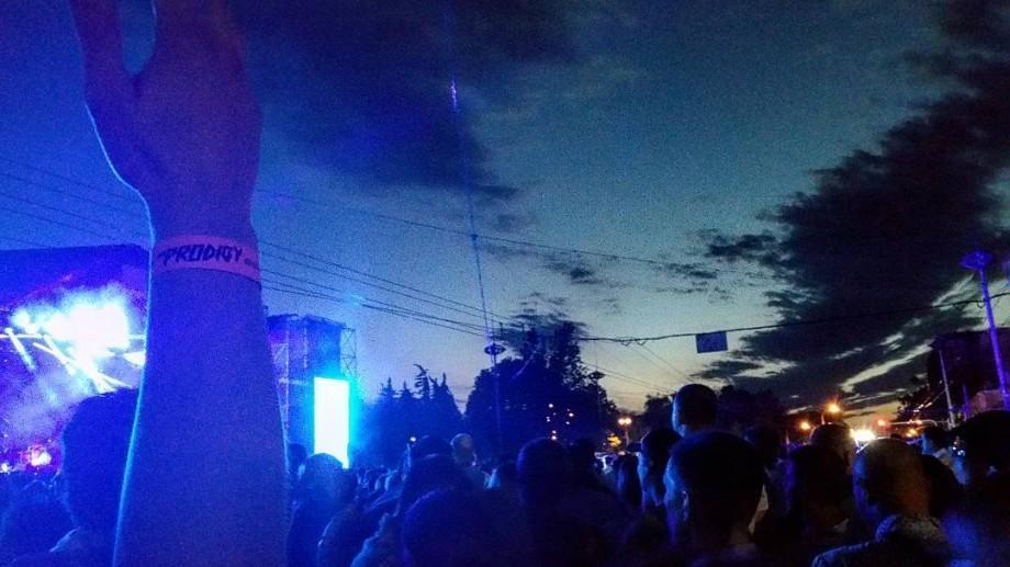 (foto, video) Chișinăul dansează pe ritmurile The Prodigy. Cum se aude și se simte concertul din PMAN pe rețelele de socializare