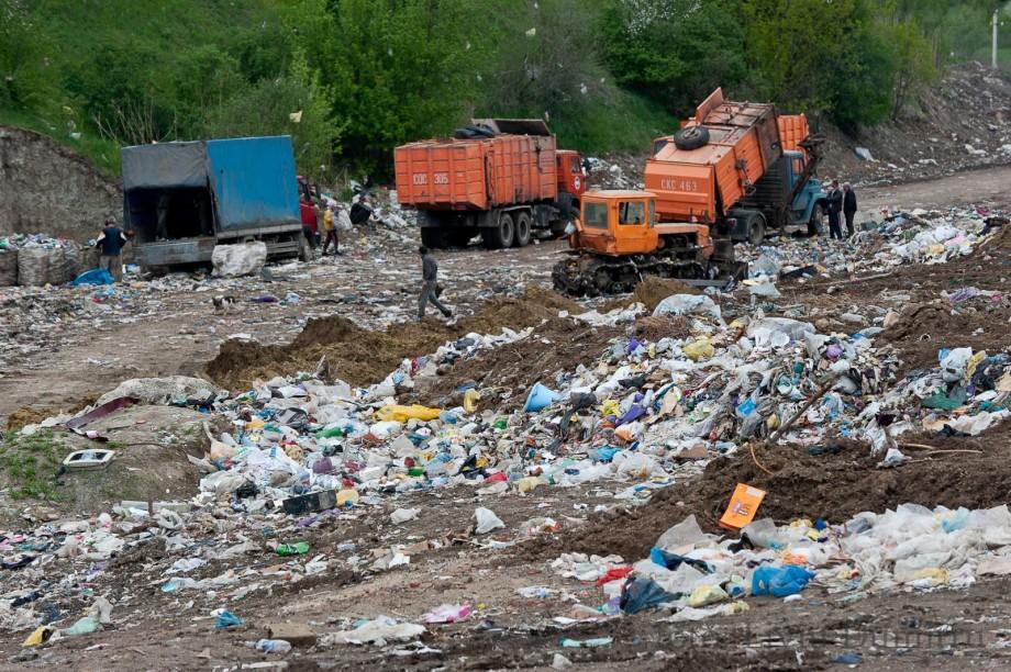 Locuitorii satului Țânțăreni sunt categoric împotriva redeschiderii gropii de gunoi. Cu ce soluții vine Primăria Chișinău