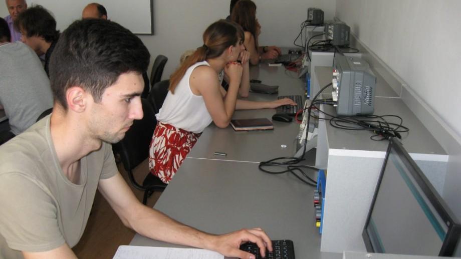 Ești pasionat de programare? Clubul Ingineresc Microlab te invită să participi la o nouă ediție a școlii de vară