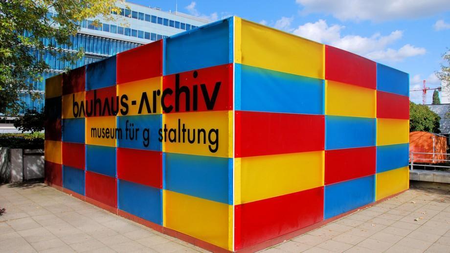Studenții la arhitectură pot câștiga o bursă de participare la o școală de vară la Berlin