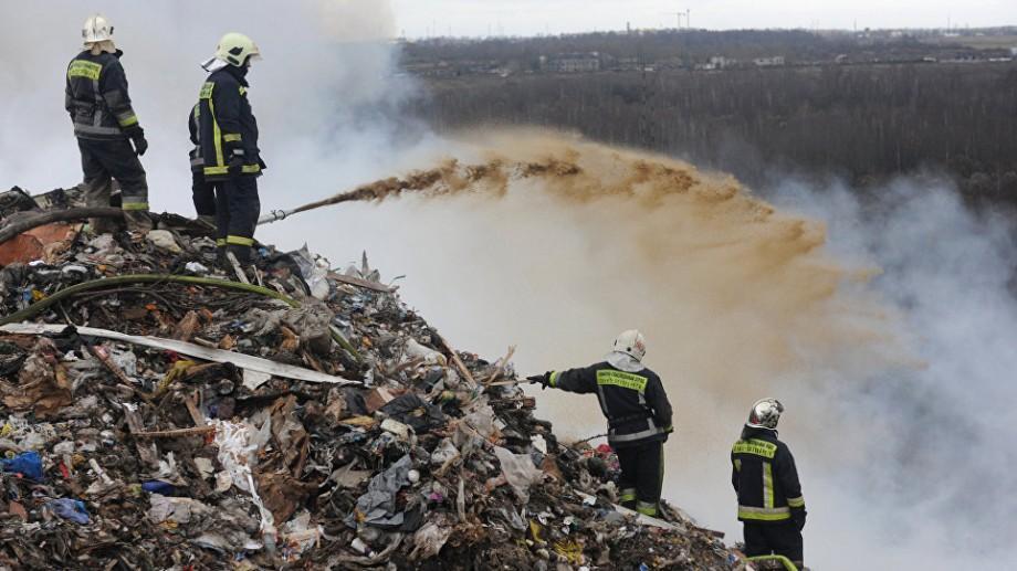 (studiu, grafic) Starea deșeurilor în Moldova. Doar 10% din gunoiul reciclat ajunge a fi recuperat, restul este transportat la gunoiștile comune