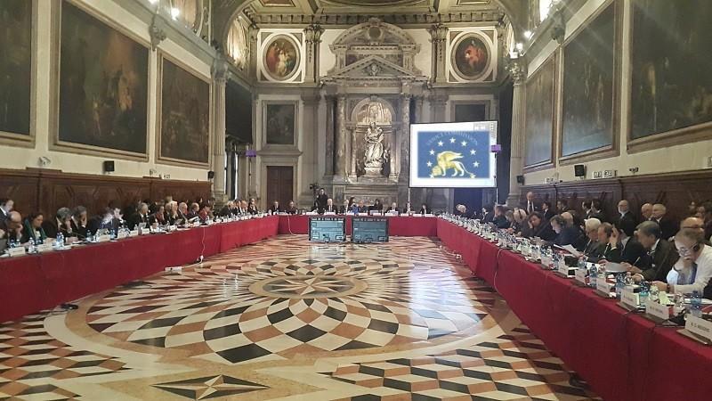 (doc) Comisia de la Veneția consideră că schimbarea sistemului electoral în Moldova poate avea efecte negative