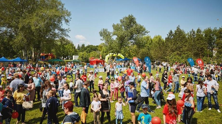 """(foto) Festivalul """"Bucurie în Mișcare"""" a reunit la Orhei sute de participanți. Ce program vă așteaptă la Chișinău, Bălți și Cahul"""