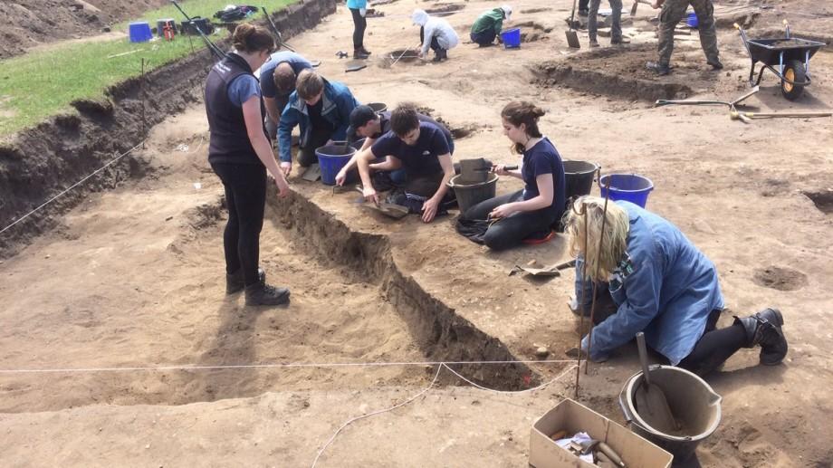 Ești interesat de arheologie? Participă la școala de vară interdisciplinară alături de 10 studenți și un profesor din New York