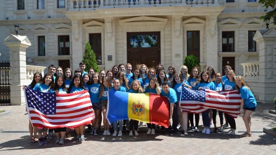 (vox) Finaliștii programului FLEX s-au reîntors din Statele Unite ale Americii și relatează despre experiența lor