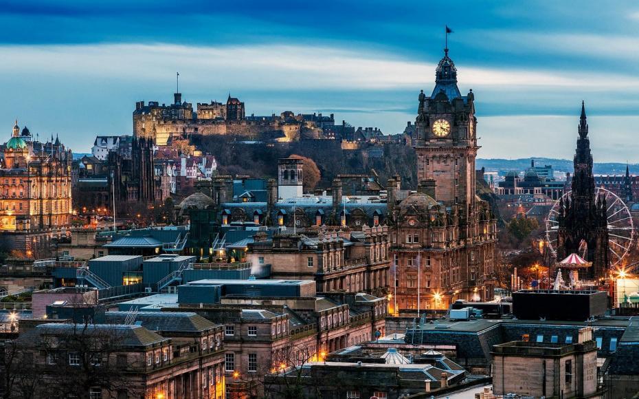 Edinburgh-panorama-oraşului