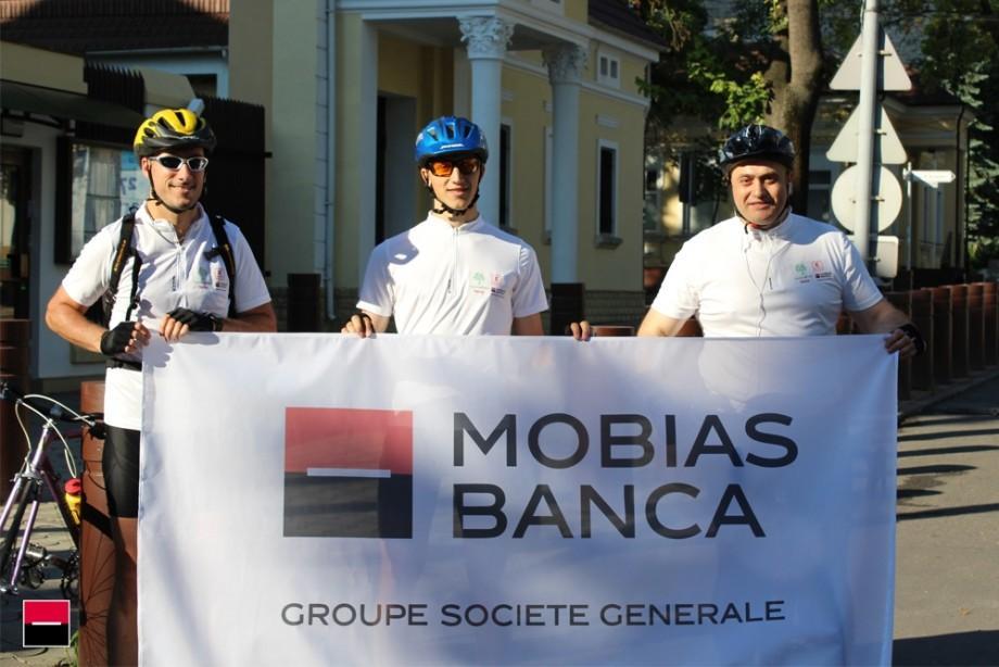 (foto) Aventura Hospice Bike Tour 2017 a început şi pentru 3 angajaţi Mobiasbancă