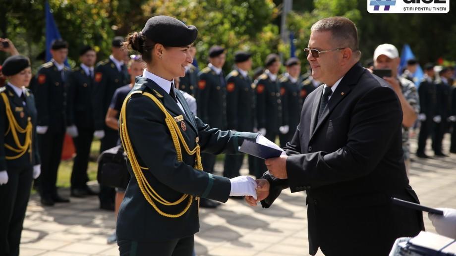 (galerie foto) Rândurile Armatei Naționale, completate cu 58 de locotenenți. Studenții Academiei Militare și-au luat diplomele de licență