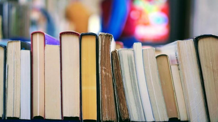 Recomandări #diez: Cinci cărți pe care ai putea să le citești după încheierea sesiunii de BAC (I)