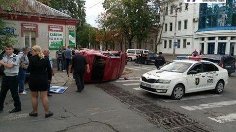 (foto) S-a produs un accident rutier cu implicarea a 4 automobile la intersecția străzilor București și Bulgară