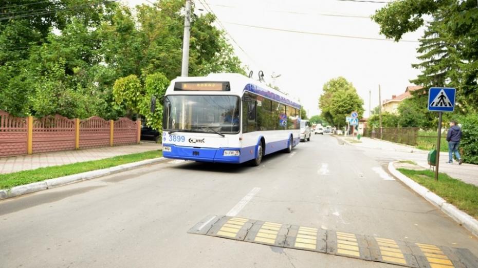 Cinci troleibuze fără fir vor circula către aeroport! A fost anunțată data lansării cursei