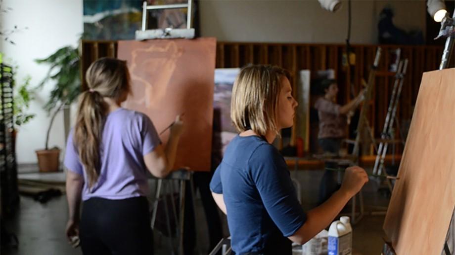 """Participă la școala de vară """"Artă, Critică și Societate Civilă"""" și realizează lucrări de artă împreună cu studenți internaționali"""