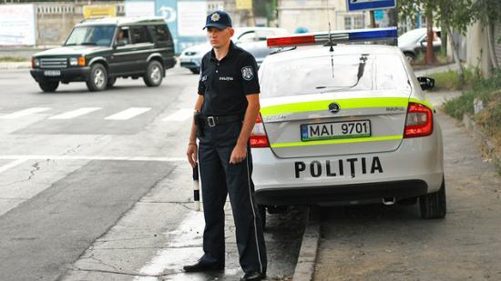 Nu doar șoferii! 120 de pietoni au fost sancționati pentru ca au traversat prin loc nepermis, într-o singură zi