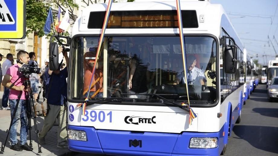 (foto, video) A fost lansată prima rută de electrobuz care va circula din centrul Capitalei până la aeroport