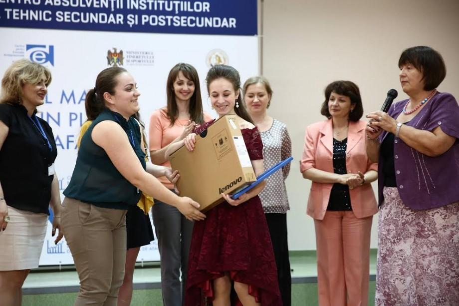 """(foto) Au fost desemnați câștigătorii concursului """"Cel mai bun plan de afaceri"""". Ce premii au obținut"""