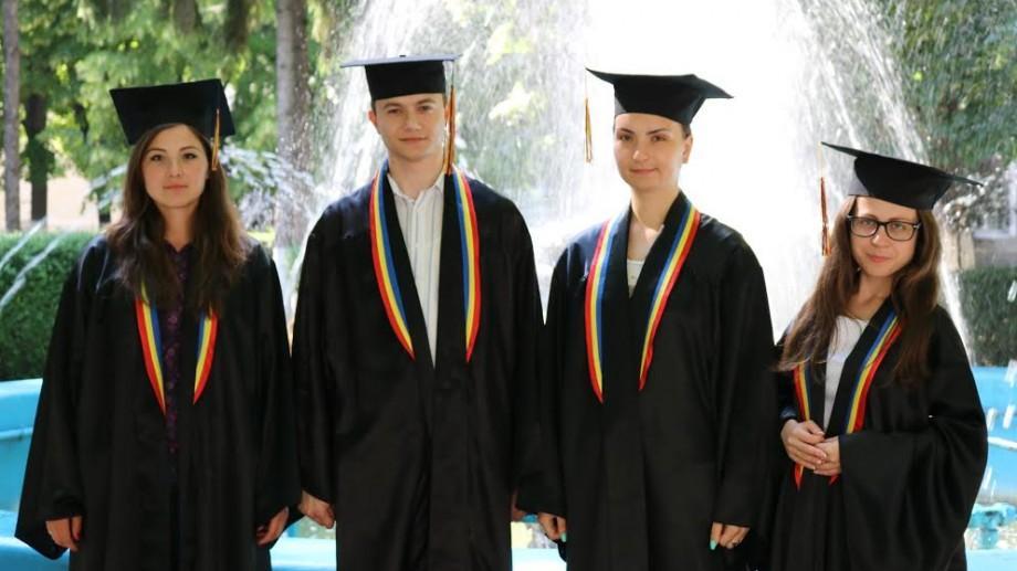 """(foto) Au fost desemnați cei mai buni studenți ai Universității de Stat """"Alecu Russo"""" din Bălți"""