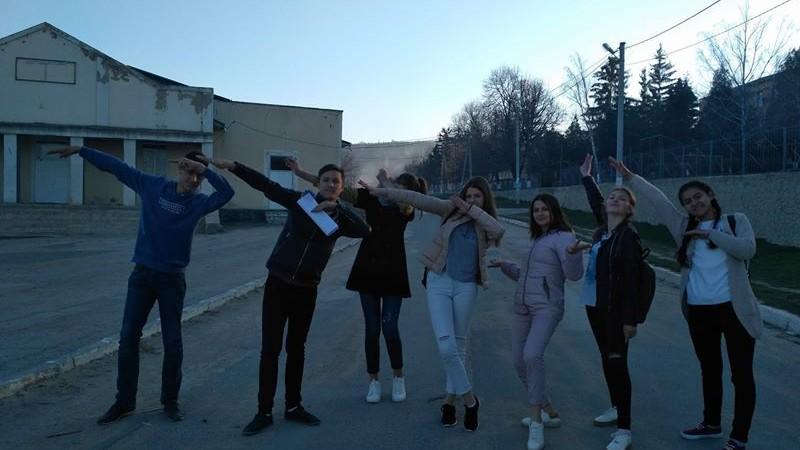 Tinerii voluntari din satul Drăsliceni organizează primul show de talente, cu scopul de a schimba și de a aduce ceva nou și creativ în sat
