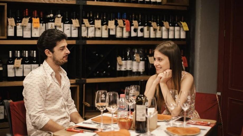 """(foto) De la un joc de bule a unui spumant brut și până la notele fructate ale unui rose sau ce înseamnă să ai parte de o seară """"wine friendly"""""""