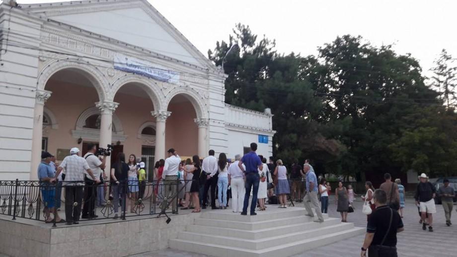 (foto, video) Bach la Casa de Cultură. Cum s-a desfășurat primul concert din turneul Moldo Crescendo, la Ialoveni