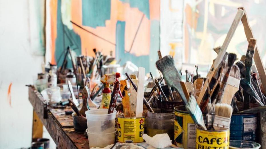 Cei care vor să devină sculptori, arhitecți sau designeri pot urma cursuri de pregătire la UTM înainte de admitere