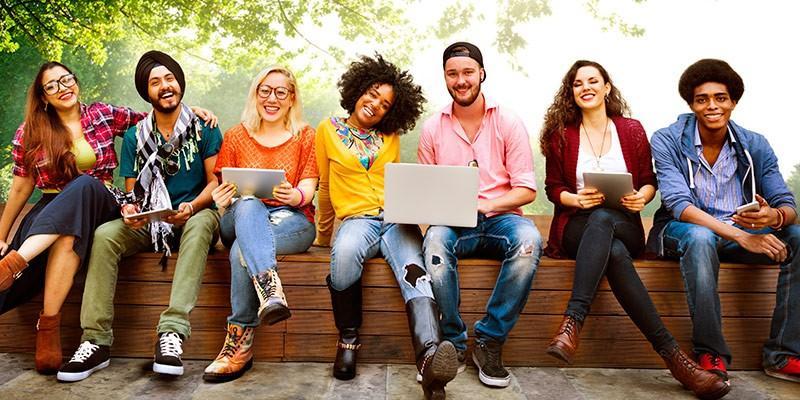 Ai fost acceptat la studii în Statele Unite? Vino la un curs și află care sunt primii pași pe care trebuie să-i faci odată ajuns acolo