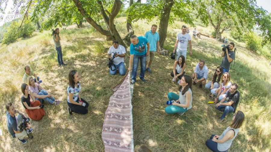(foto) Afacere pe bani europeni: Un tânăr din raionul Dubăsari învață angajații și patronii să lucreze în echipă