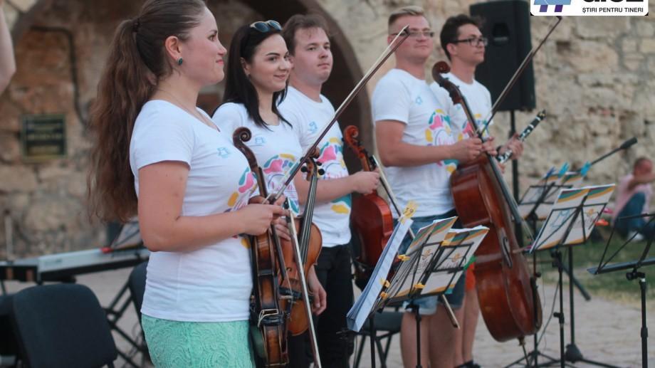 (galerie foto) Muzica unește oameni. Cum s-a desfășurat ultimul concert La La Play la Cetatea Tighina