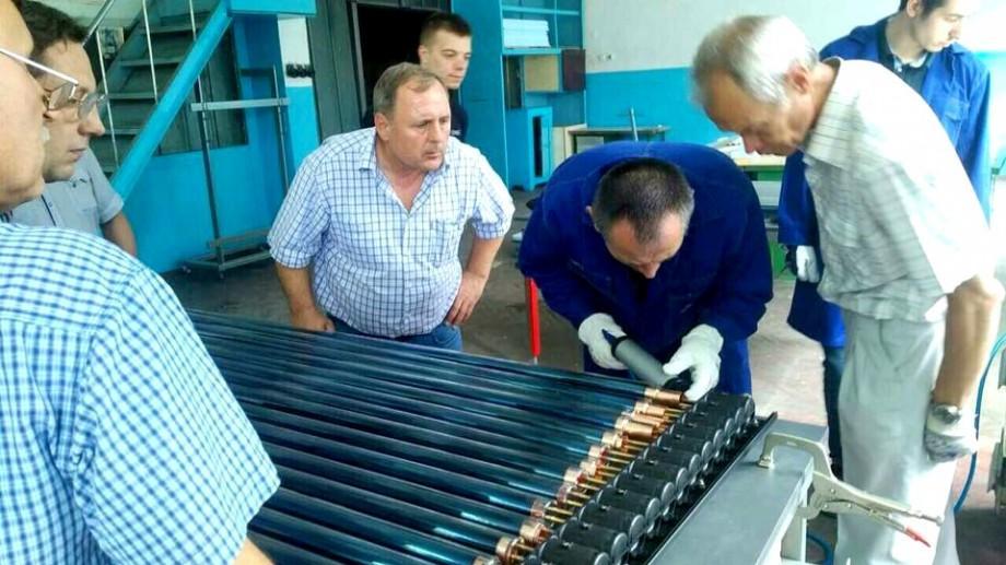 (foto) A fost lansată prima linie de asamblare a colectoarelor solare în Republica Moldova