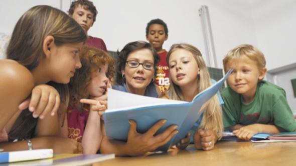 (doc) Copiii din diasporă vor putea învăța limba română în cadrul unui curs care se va desfășura în 10 țări. Iată care este Curriculum aprobat