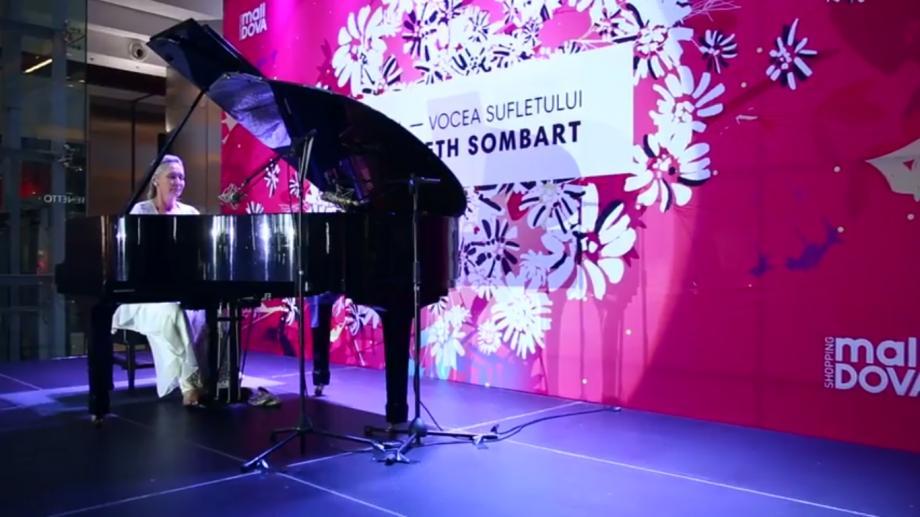 (video) Pianista Elizabeth Sombart, regal artistic la Shopping MallDova