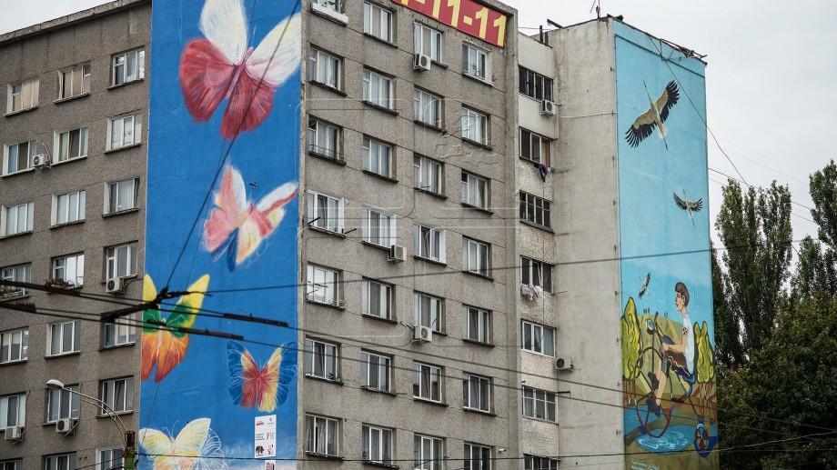 O nouă pictură murală ar putea apărea în sectorul Botanica. Cum îl poți ajuta pe Radu Dumbravă să-și realizeze proiectul