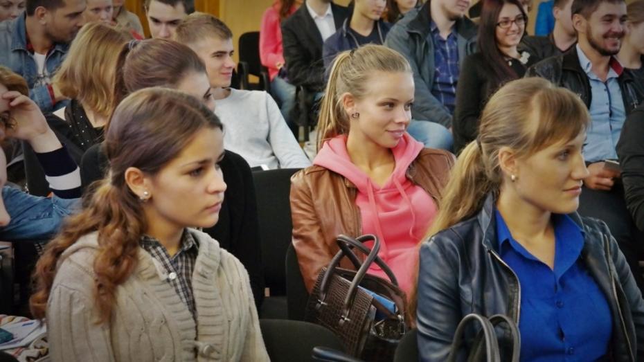Ai participat la o oportunitate oferită de Erasmus+? Spune-ți experiența printr-o fotografie și înscrie-te la un concurs online